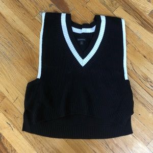 Banana Republic Sweater Vest Size M